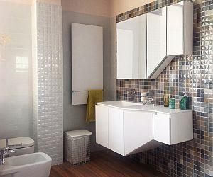 Pavimenti e rivestimenti ceramiche bagno piastrelle e for Bagni rivestimenti e pavimenti